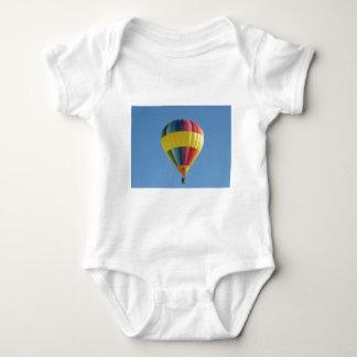 Colorful hot air ballon t-shirt