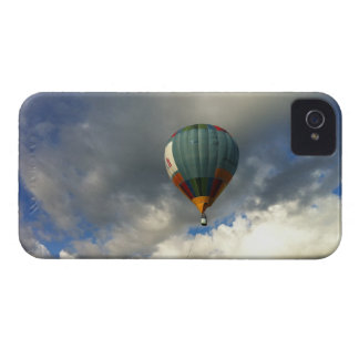 Colorful Hot Air Balloon in the Cloudy Sky Case-Mate iPhone 4 Case
