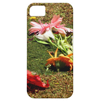 Colorful scenery of forgotten flowers iPhone SE/5/5s case