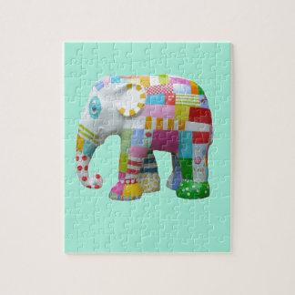 Colorido caprichoso del elefante retro lindo del puzzle