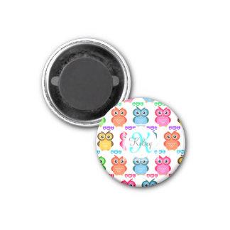 Colorido posea el monograma imán para frigorifico