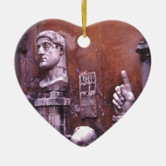 Coloso esculpido de las partes del cuerpo de adorno navideño de cerámica en forma de corazón