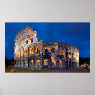 Colosseum en la oscuridad póster