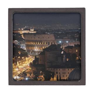 Colosseum romano en la noche caja de joyas de calidad