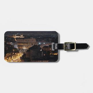 Colosseum romano en la noche etiqueta de equipaje