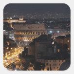 Colosseum romano en la noche pegatina cuadrada