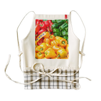 Colourful red, green and yellow capsicums zazzle HEART apron