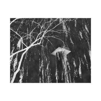 Columna bajo negativa reversa del árbol que llora impresiones de lienzo
