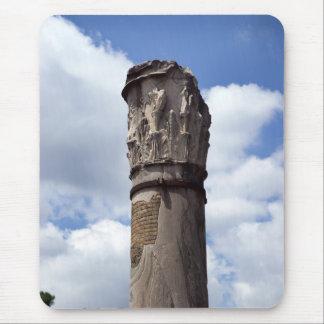 Columna romana antigua mousepads
