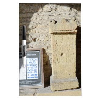 Columna romana en Haddon Pasillo, Derbyshire Pizarra Blanca