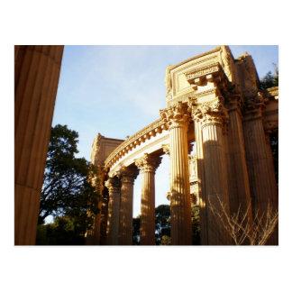 Columnas en el palacio de bellas arte postales