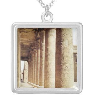 Columnas en el Pronaos del templo de Horus Pendientes Personalizados