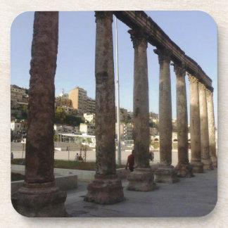 Columnas romanas del teatro de Amman Posavasos