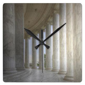 Columnata circular conmemorativa de Thomas Reloj Cuadrado