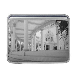 Columnata curvada vintage funda para macbook air
