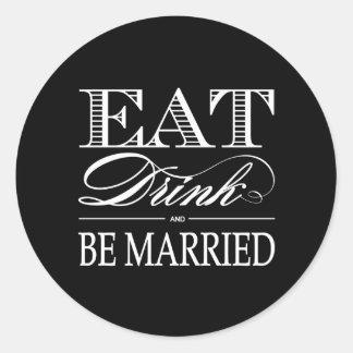 Coma, bebida y sea pegatinas casados del favor pegatina redonda