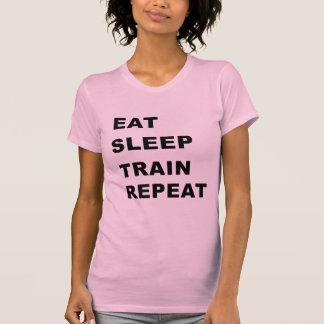 Coma, duerma, entrene, repita camiseta