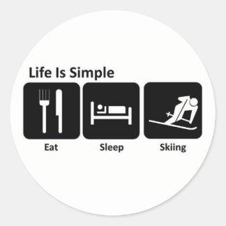 Coma, duerma, esquíe etiqueta redonda