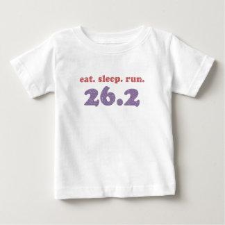 coma el funcionamiento 26,2 del sueño playera para bebé