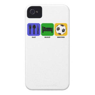 Coma el fútbol del sueño iPhone 4 Case-Mate cobertura