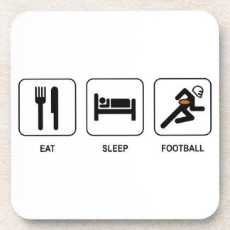 Coma el fútbol del sueño posavasos de bebida