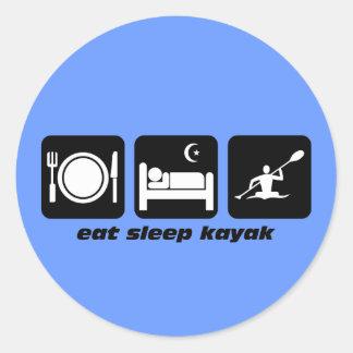 coma el kajak del sueño pegatina redonda