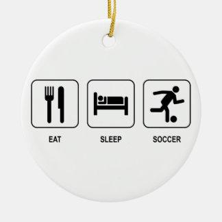 Coma el ornamento del fútbol del sueño adorno navideño redondo de cerámica