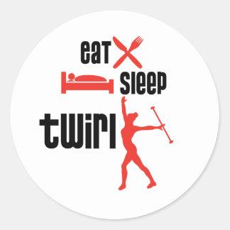 Coma el rojo del giro del sueño etiqueta redonda