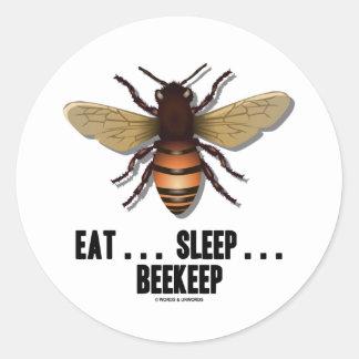 Coma… el sueño… Beekeep la abeja Etiquetas