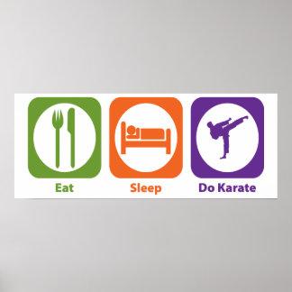 Coma el sueño hacen karate poster