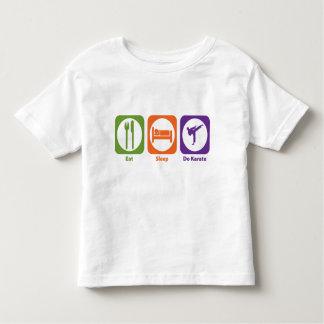 Coma el sueño hacen karate t shirts