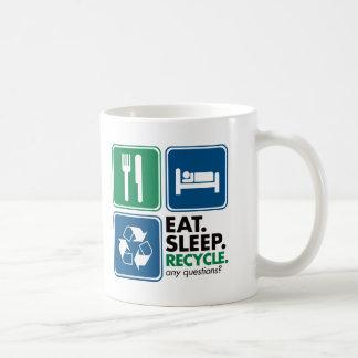 Coma el sueño reciclan tazas de café