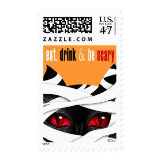 Coma la bebida sea gato asustadizo de la momia timbre postal