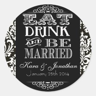 Coma la bebida y esté casado casando a los etiqueta redonda