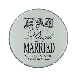 Coma la bebida y esté casado - ennegrézcase en ver jarrones de dulces