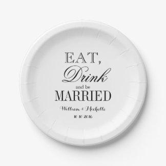 Coma la bebida y sea placas casadas del boda de platos de papel