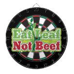 Coma la carne de vaca de la hoja no tablero de dardos