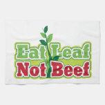 Coma la carne de vaca de la hoja no toalla de cocina