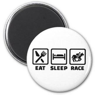 Coma la carrera de caballos del sueño imán redondo 5 cm