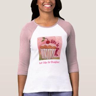 Coma la torta para la camiseta del desayuno playeras