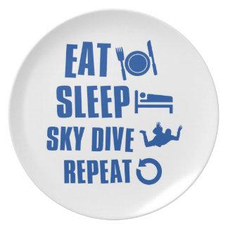 Coma la zambullida de Skye del sueño Plato Para Fiesta
