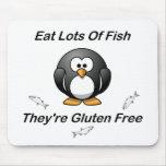 Coma las porciones de pescados, ellas son gluten l tapete de ratón
