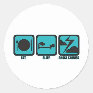 Coma las tormentas de la caza del sueño pegatina redonda
