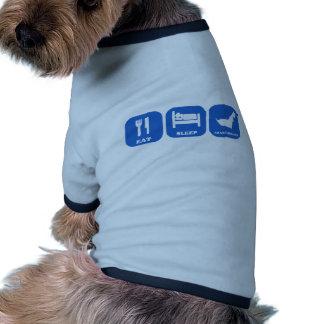 Coma los emiratos del árabe del sueño camiseta con mangas para perro