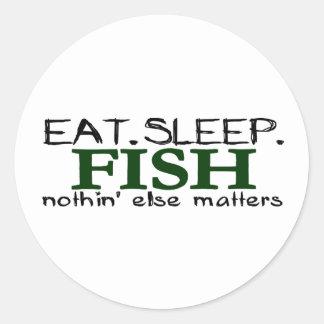 Coma los pescados del sueño pegatina redonda