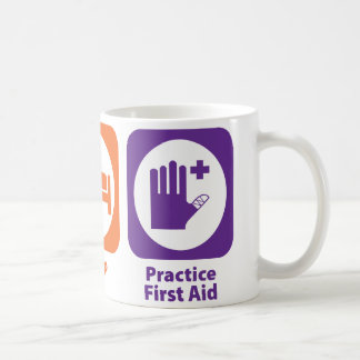 Coma los primeros auxilios de la práctica del sueñ tazas de café