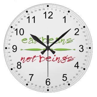 Coma los seres de las habas no reloj redondo grande