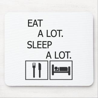 Coma mucho el sueño mucho tapete de raton