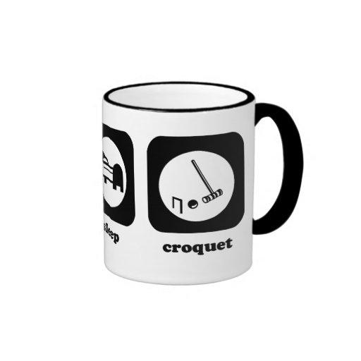 Coma. Sueño. Croquet. Taza