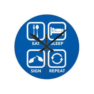 Coma. Sueño. Muestra. Repetición.  Reloj del ASL
